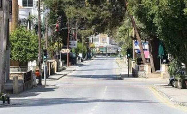 Sokaklarda kısıtlama sessizliği hakim...