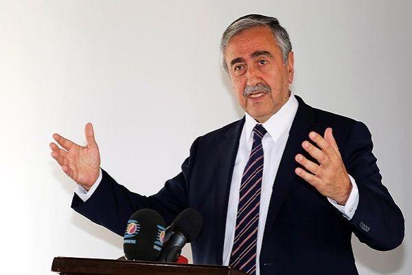 Akıncı: Türkiye'nin garantörlüğünü istemek içi boş hamasettir