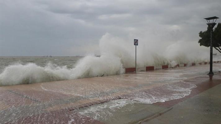 Denizdeki fırtına devam ediyor...