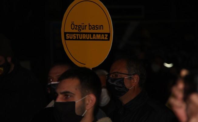Gazeteciler protesto eylemi yaptı