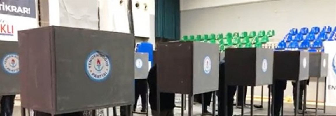 Arıklı ve  Zaroğlu oylarını kullandı