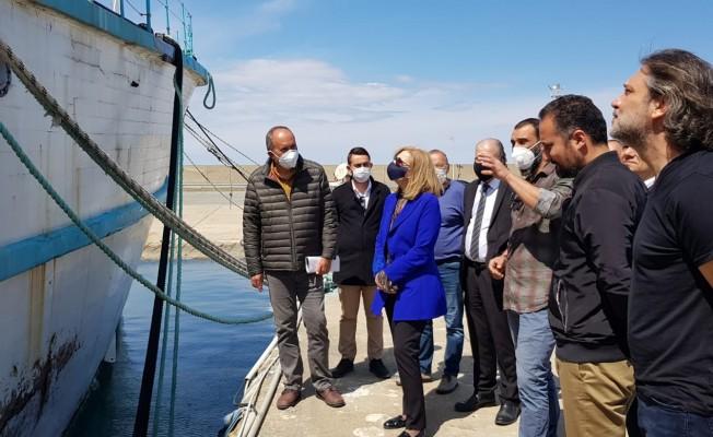 Bakan Canaltay Girne Turizm Limanını ziyaret etti