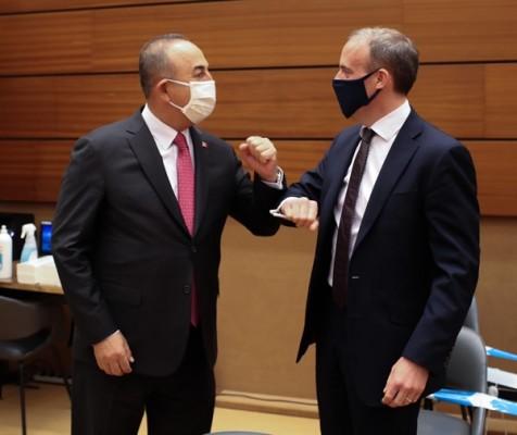 Çavuşoğlu, İngiltere Dışişleri Bakanı Raab ile görüştü