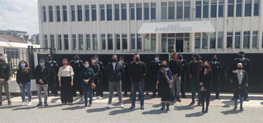 Derneklerden Başbakanlık önünde tüzük eylemi