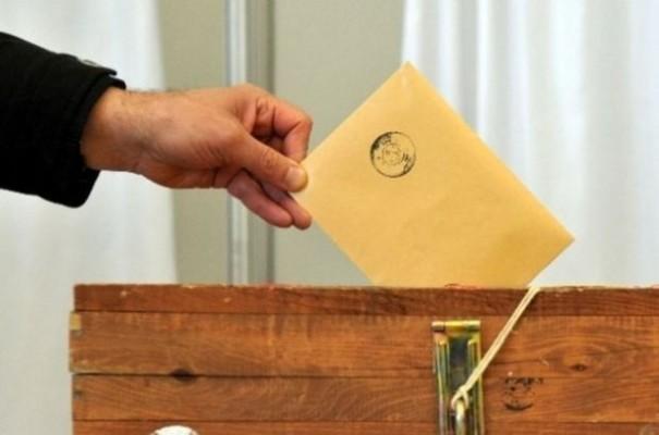 Hükümet ortakları erken seçim önerilerini Meclis'e sundu