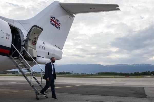 İngiltere Dışişleri Bakanı Raab da Cenevre'ye gitti