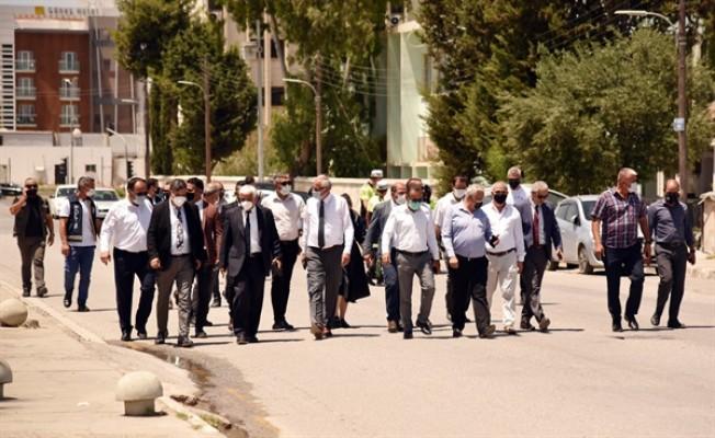 Belediye Başkanları Başbakanlık'a yürüdü