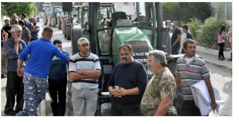 Hayvan Üreticileri ve Yetiştiricileri Birliği'nden Lefkoşa'da eylem