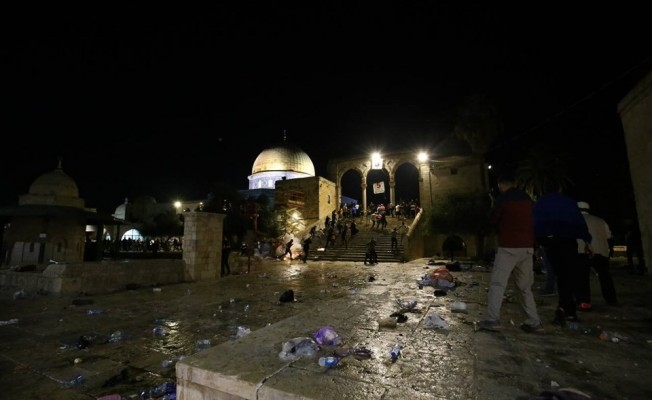 İsrail'den Mescid-i Aksa'ya saldırı