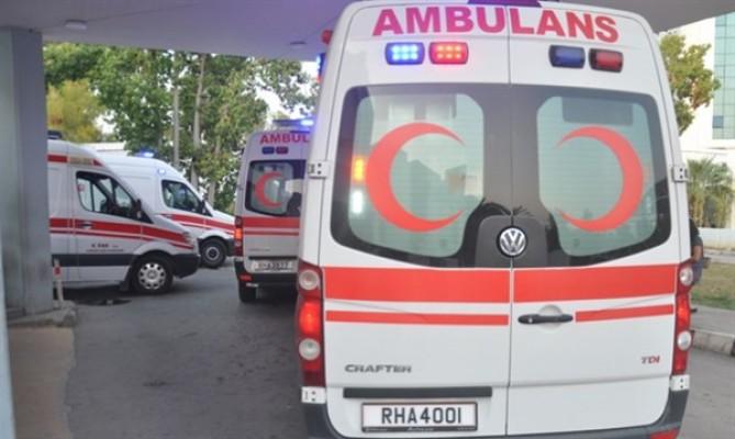Koyun sürüsüne çarpan motosikletli yaralandı