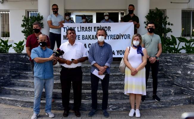 KTÖS: Türk Lirası eriyor Maliye Bakanı seyrediyor