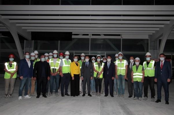 Oktay, Ercan havalimanı inşaatında incelemelerde bulundu