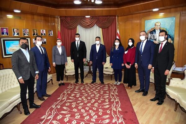 Saner, AK Parti Gençlik Kolları temsilcilerini kabul etti