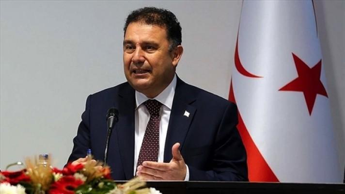 Saner, Peray Ahmet'i kutladı...