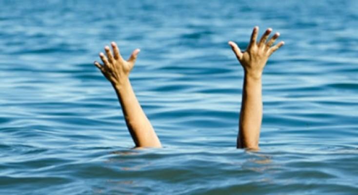 19 Yaşındaki genç havuzunda boğulma tehlikesi geçirdi