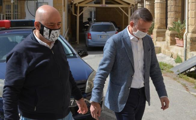 Hakan Athan ve Mustafa Emre 21 gün hapis yatacak