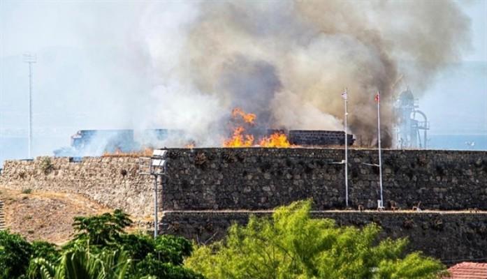 Yangın surlara sıçradı...