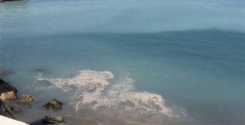 Bir otelden denize atık su bırakıldığı iddiası...
