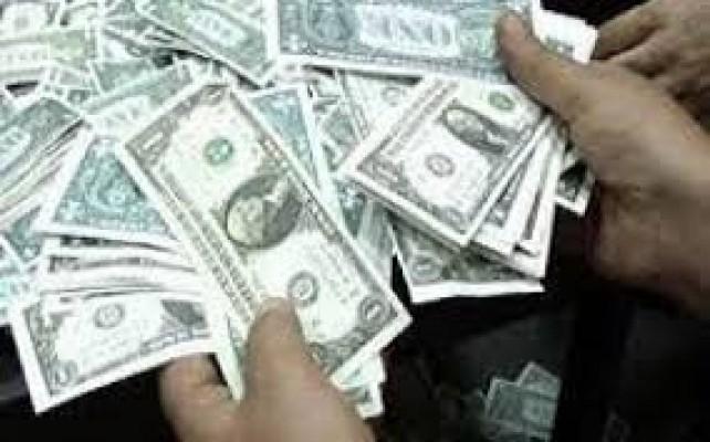 Sahte 36 bin 272 Dolar ile yakalandılar...
