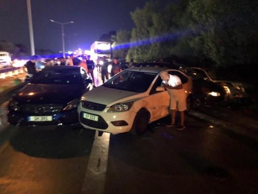 Lefkoşa-Gazimağusa anayolunda zincirleme trafik kazası..