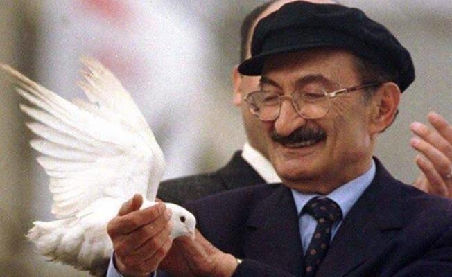 Bülent Ecevit'e büyük ayıp!