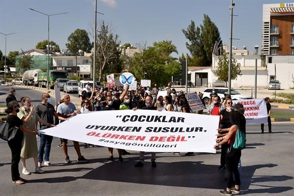 """""""Kıbrıs'ta hayat dursun, Asya Yaşasın"""" sloganıyla eylem yapıldı"""