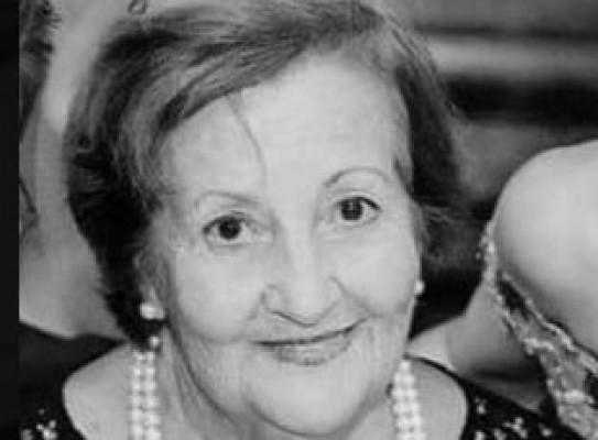 Sibel Tatar annesini kaybetti