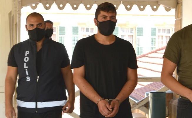 Suriye uyruklu 18 kişiyi Güney Kıbrıs'a bıraktı...