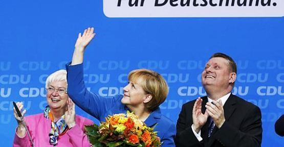 Almanya'da 10 Türk asıllı mecliste
