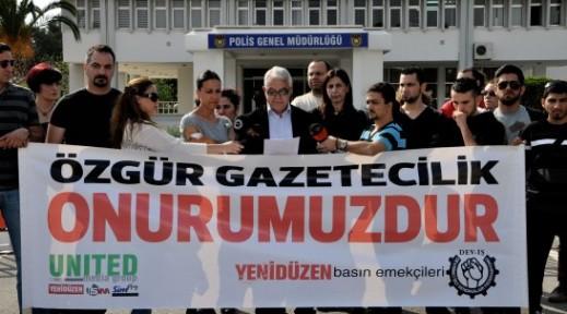 DEV-İŞ VE YENİDÜZEN GAZETESİ, POLİS ÖNÜNDE EYLEM YAPTI