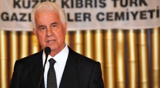 """""""KIBRIS'TA ÇÖZÜM ARAYAN İKİ HALK VAR"""""""