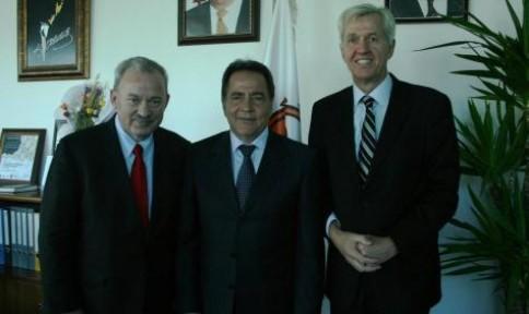 Fellahoğlu, İngiliz milletvekilleri ile görüştü