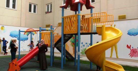 GAZİMAĞUSA DEVLET HASTANESİ'NE ÇOCUK PARKI