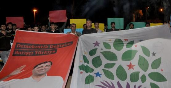 HDP MİLLETVEKİLLERİNİN TUTUKLANMASI PROTESTO EDİLDİ