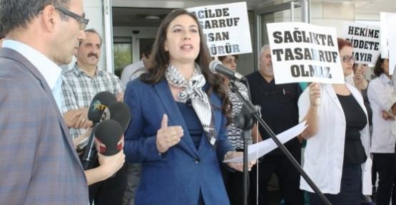 HEKİMLERDEN 'SABRIMIZ TAŞIYOR' UYARISI