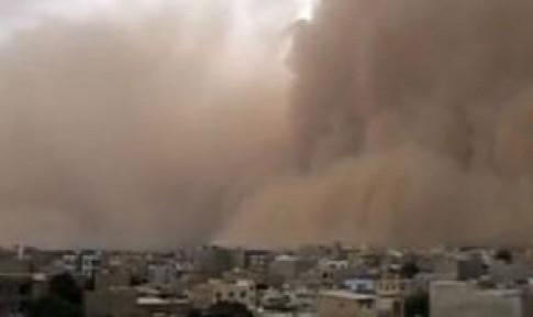 İRAN'DA KUM FIRTINASI ALARMI