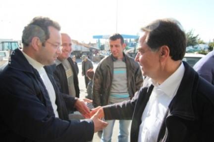 İşçilerden Fellahoğlu'na belediyeyi bataklıktan kurtarması için destek
