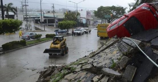 Kasırgada ölenleri sayısı 100'ü geçti