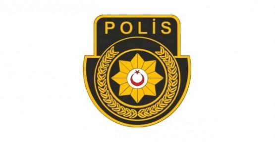 KENDİNİ TRAFİK POLİSİ OLARAK TANITTI, KREDİ ALDI