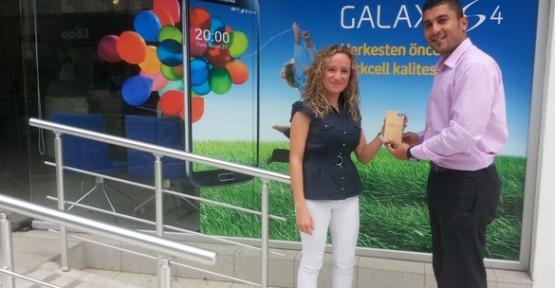 Kuzey Kıbrıs Turkcell ile SamsungGalaxy S4 keyfi