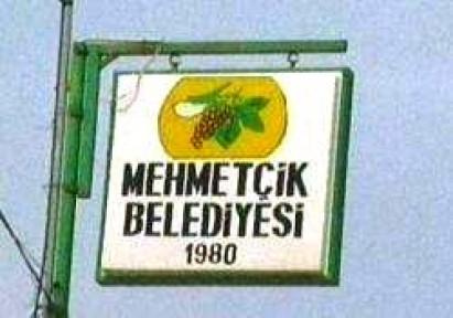 """MEHMETÇİK BELEDİYESİ'NDE 4 SAATLİK """"OTURMA EYLEMİ"""""""