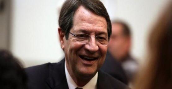 """Politis """"Kıbrıslı Rumlar Kozu Sona Saklıyor…"""""""