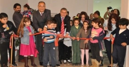 Şirin Zaferyıldızı'nın  ''Gözleri Şiir  ve Çocuk'' konulu fotoğraf ve şiir sergisi açıldı.