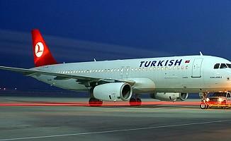 THY uçağı Ercan'a acil iniş yaptı...