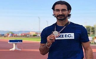 Yiğitcan Hekimoğlu 200 metrede Türkiye ikincisi oldu