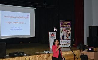 Girne Belediyesi kız öğrencilere seminer düzenledi