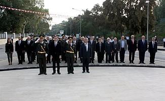 Lefkoşa Şehitler Anıtı'nda tören düzenlendi