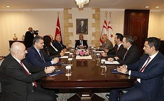Akıncı Meclis'te temsil edilmeyen parti başkanlarıyla bir araya geldi