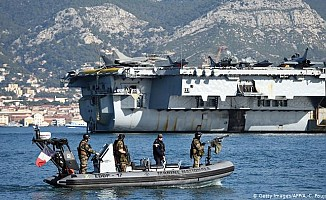 Fransa Limasol'a uçak gemisi gönderdi