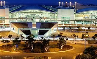 Larnaka Havaalanı'nda korona alarmı…
